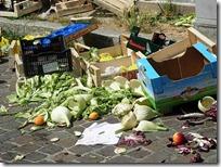 rifiuti mercato piazza matteotti